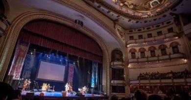 En el Teatro de la Ciudad con Calacas Jazz Band