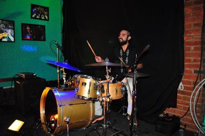 44 02 personajes-bateristas4